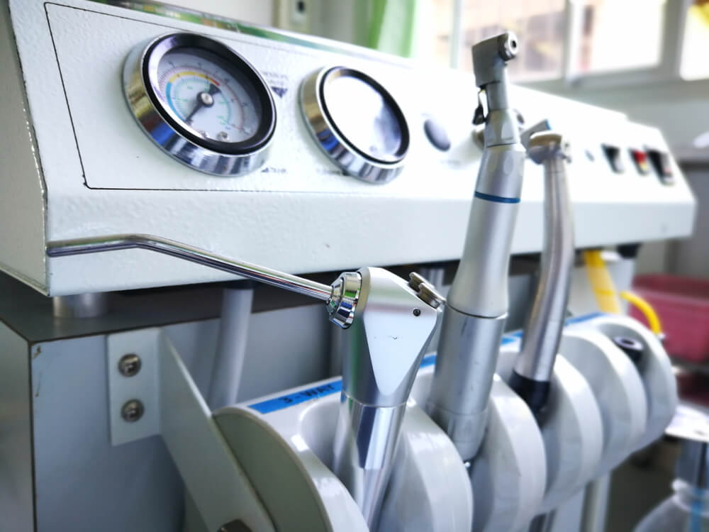 Essentials of Using Portable Dental Unit With Compressor